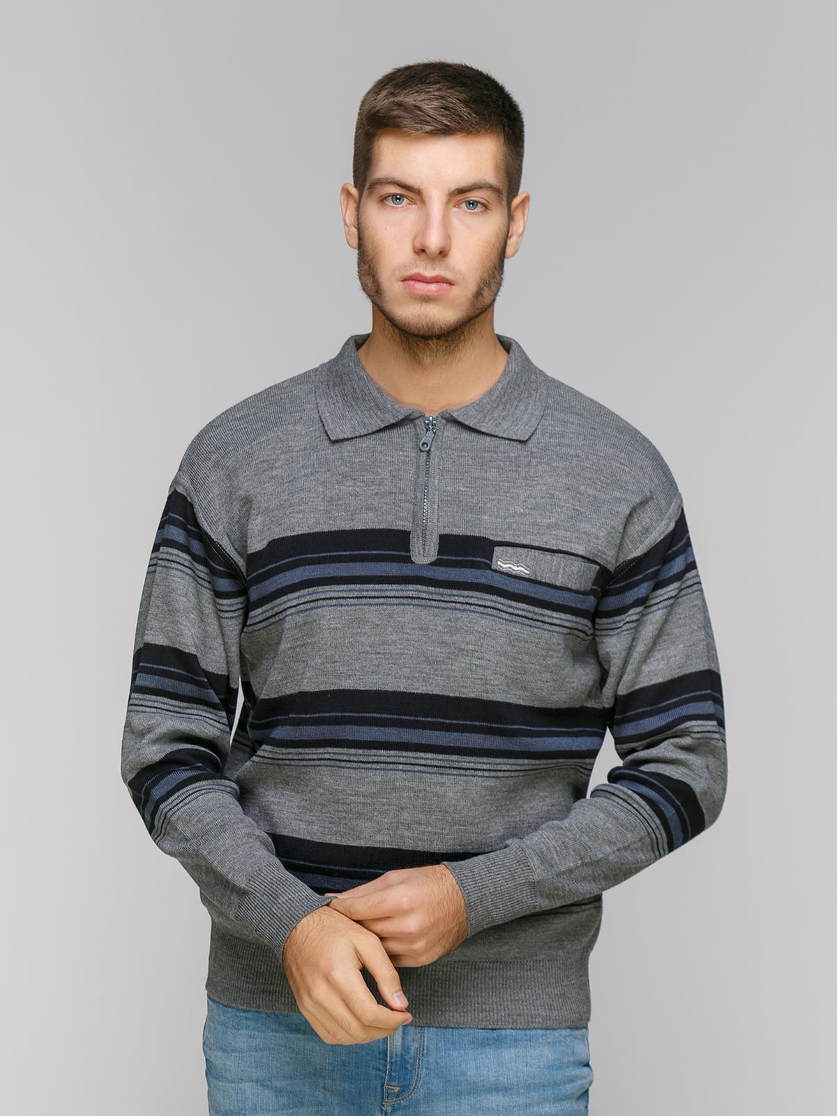 Джемпер серый в полоску | 5216301