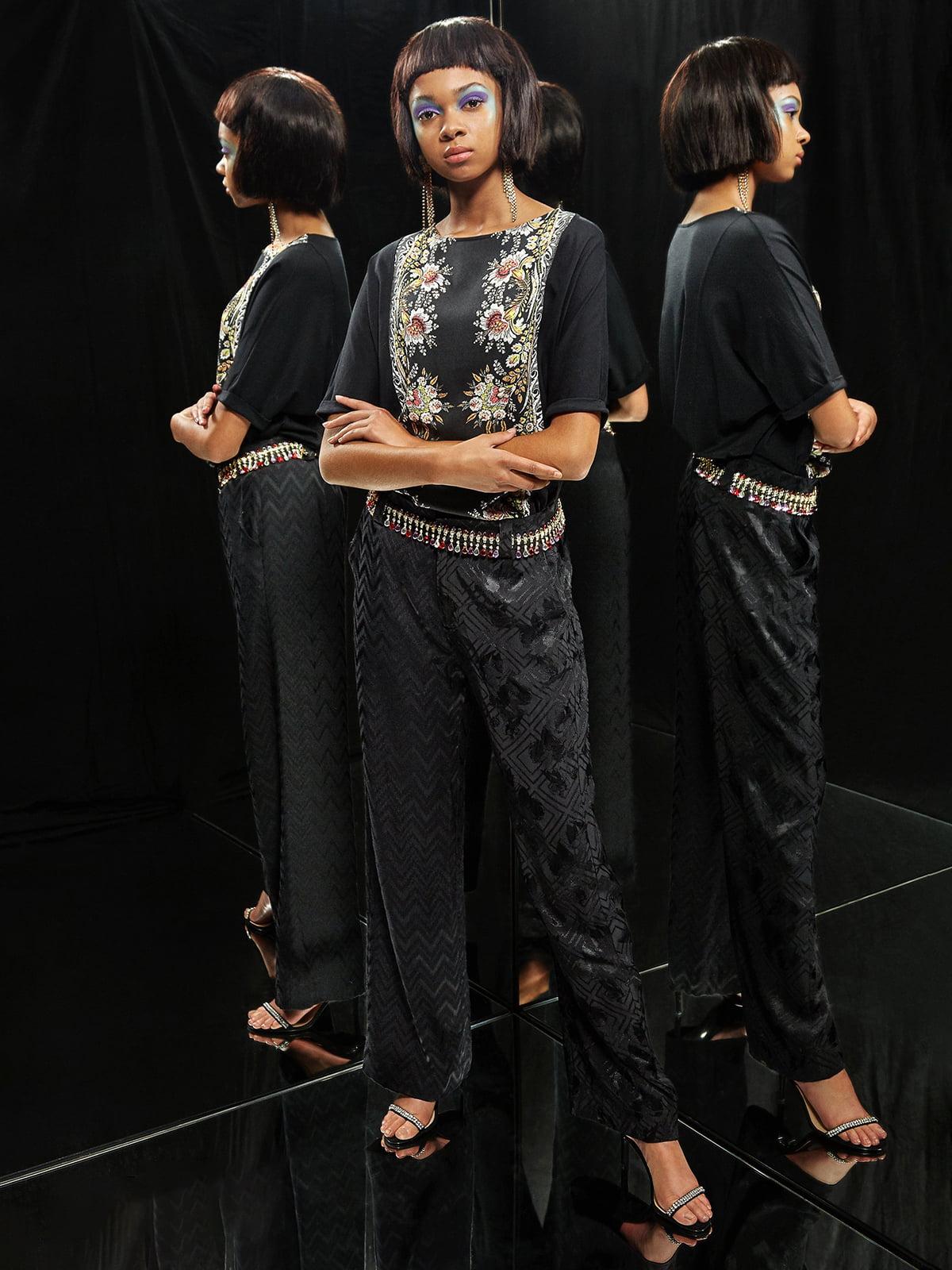 Блуза чорна в квітковий принт | 5203112