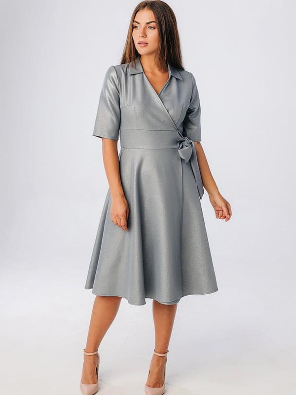 Платье серебристого цвета | 5282572
