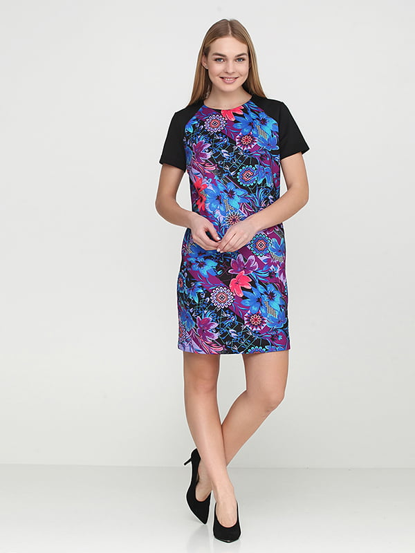 Платье черное с цветочным принтом | 5304494