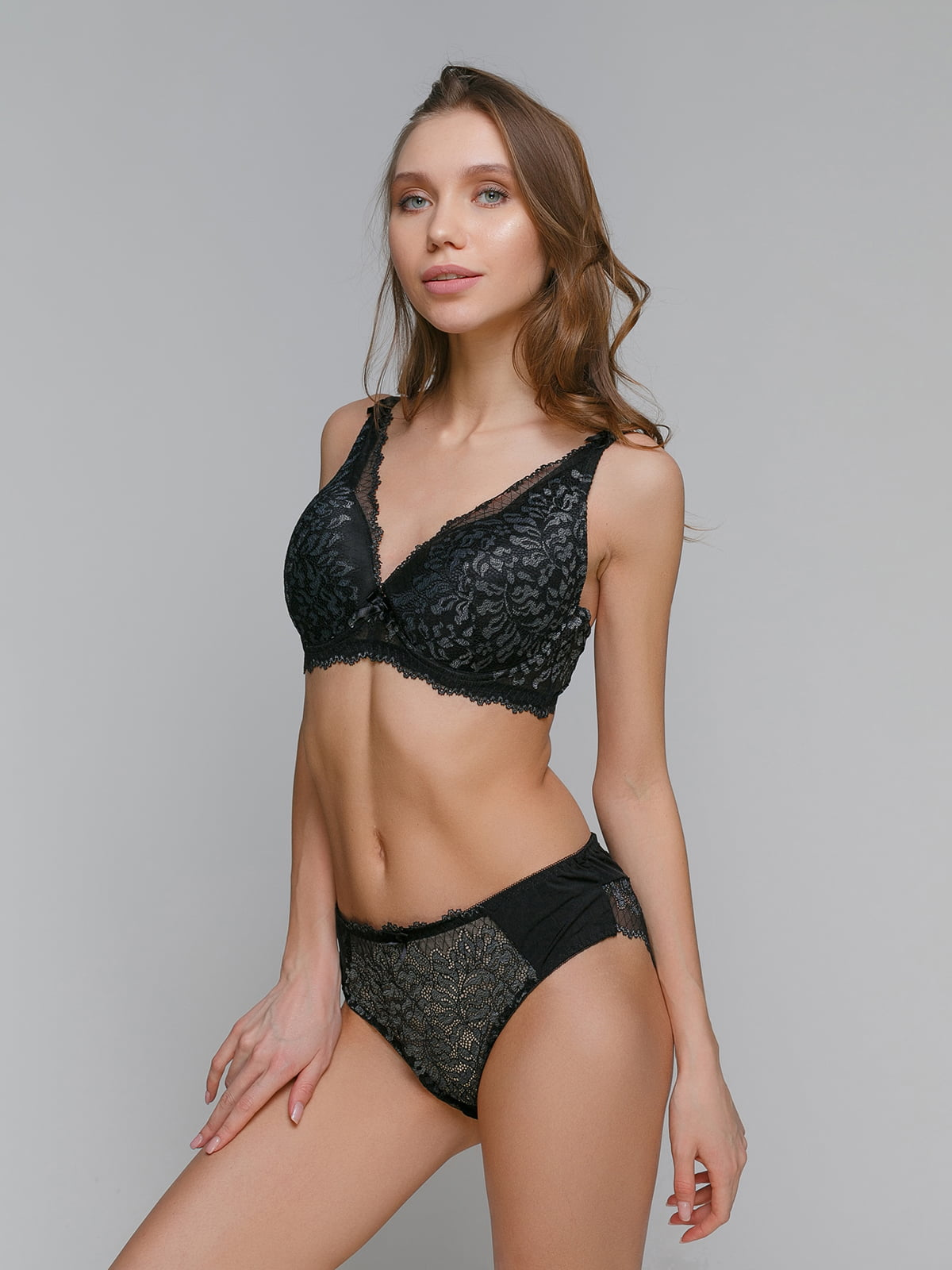 Комплект черно-серый (бюст+бикини)   5305649