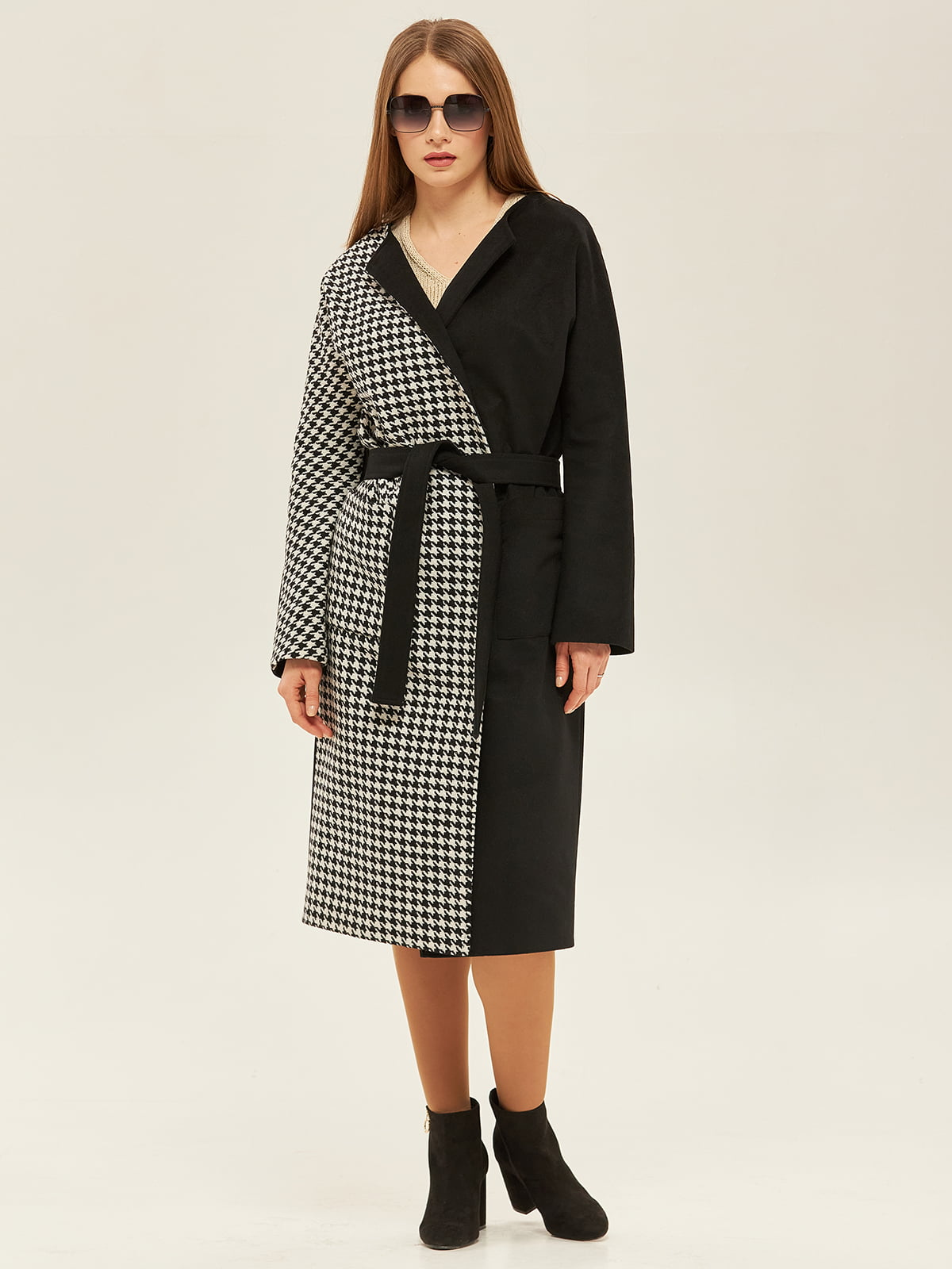 Пальто черного цвета   5352379