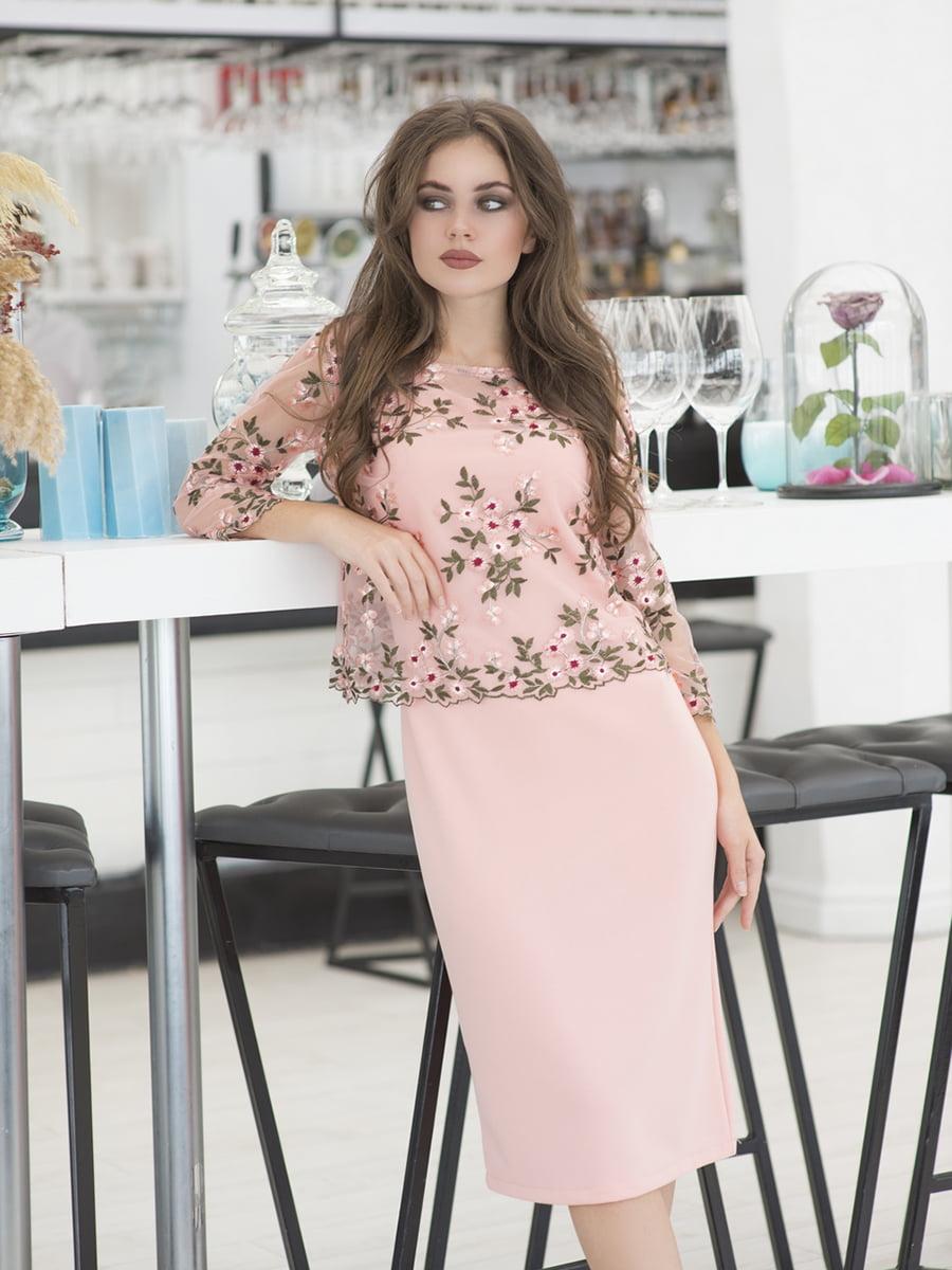 Сукня кольору пудри з квітковою вишивкою | 5379871