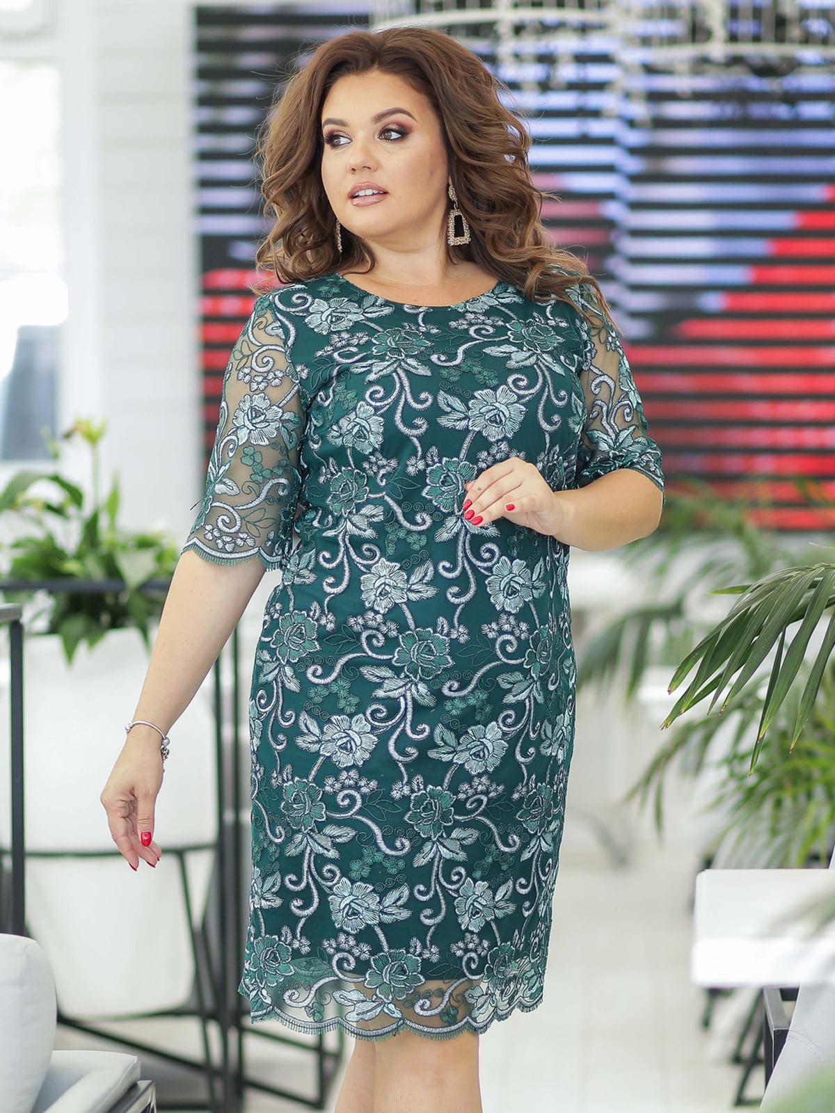 Платье изумрудного цвета с декором | 5401007