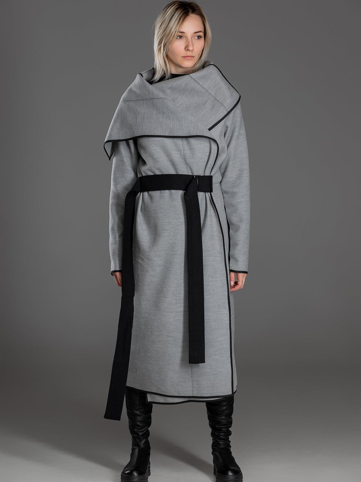 Пальто сіро-чорного кольору | 5422977