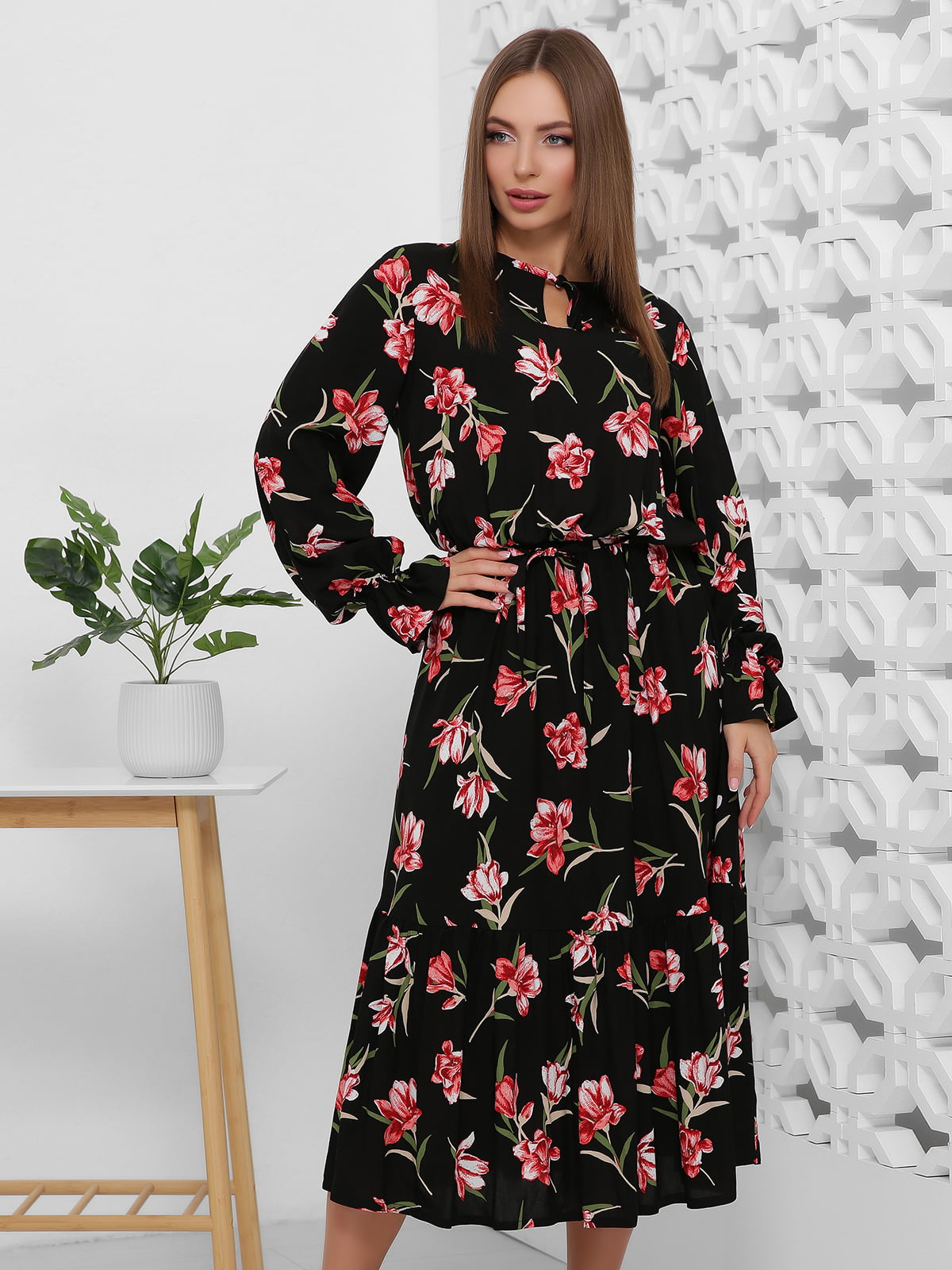 Сукня чорна в квітковий принт | 5444122