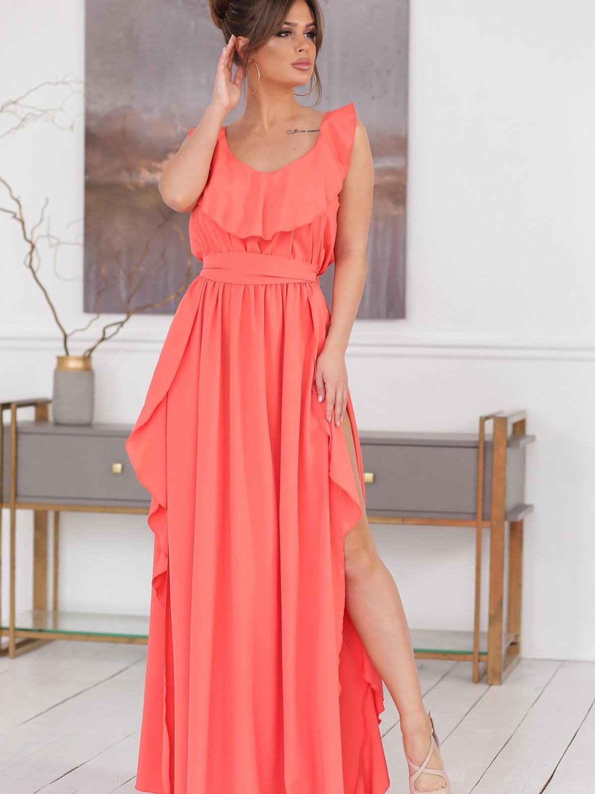 Платье кораллового цвета | 5464331