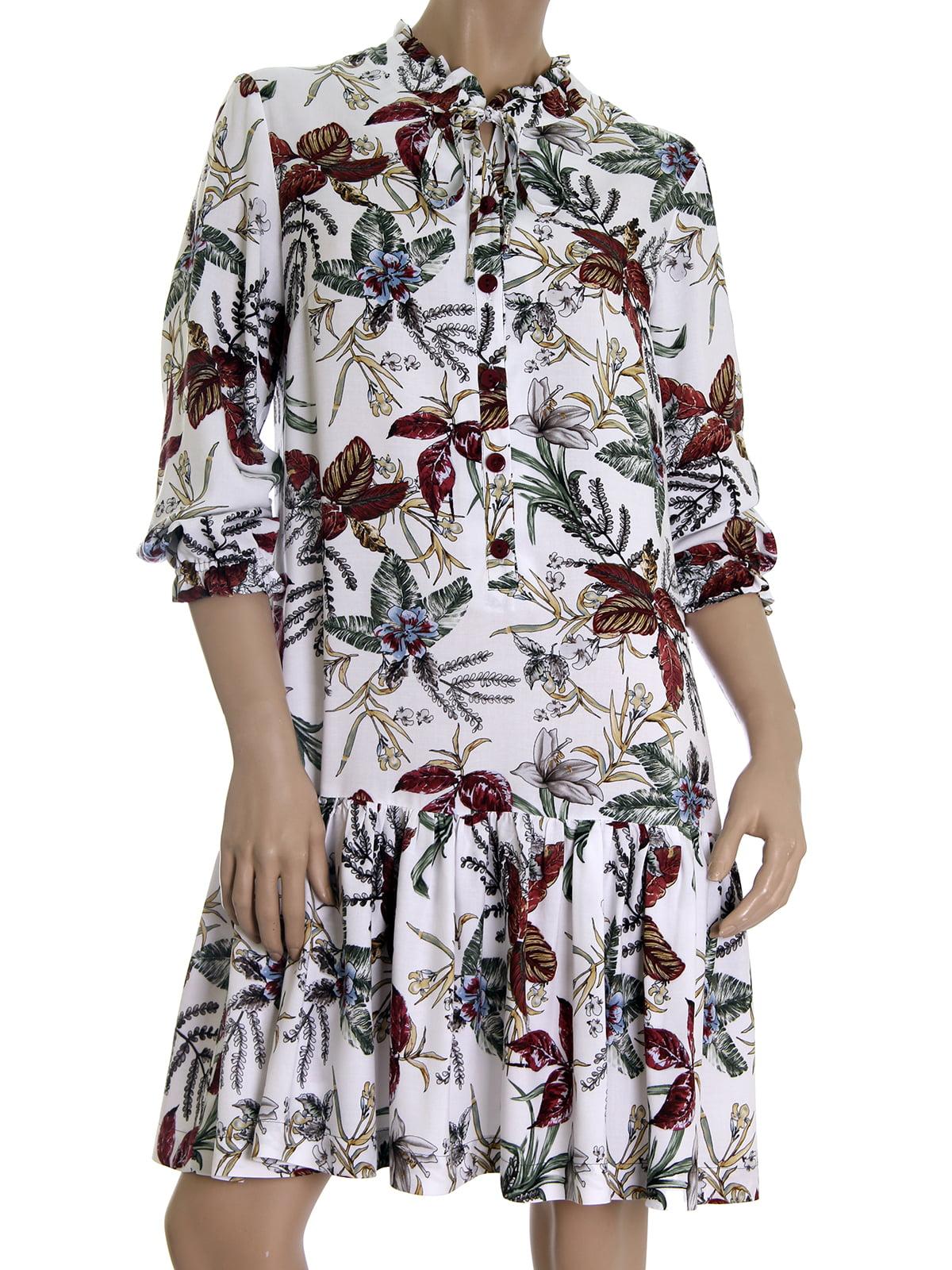 Платье белое в цветочный принт | 5502871