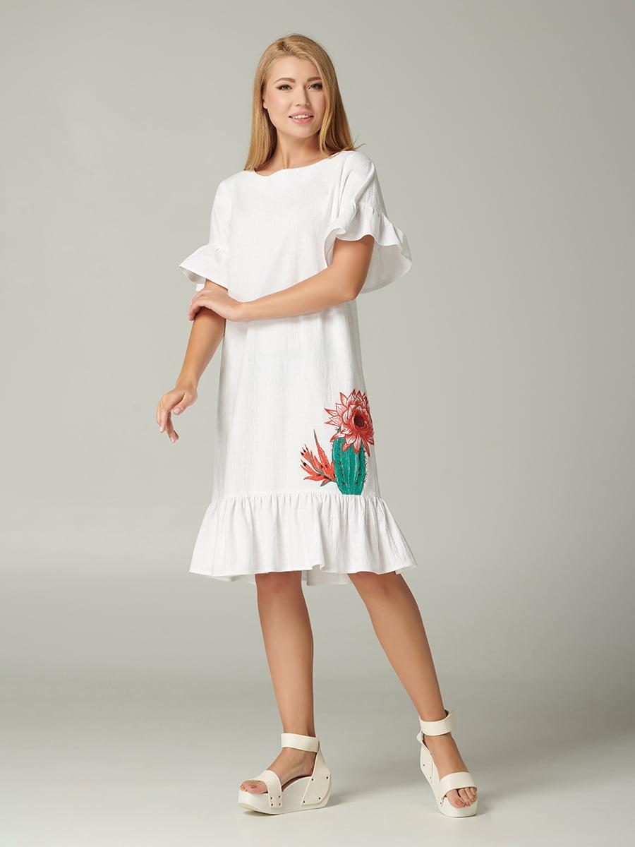 Платье белое с принтом | 5348034