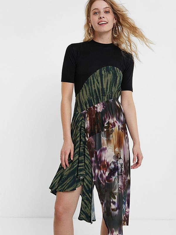 Платье черное в цветочный принт | 5509062