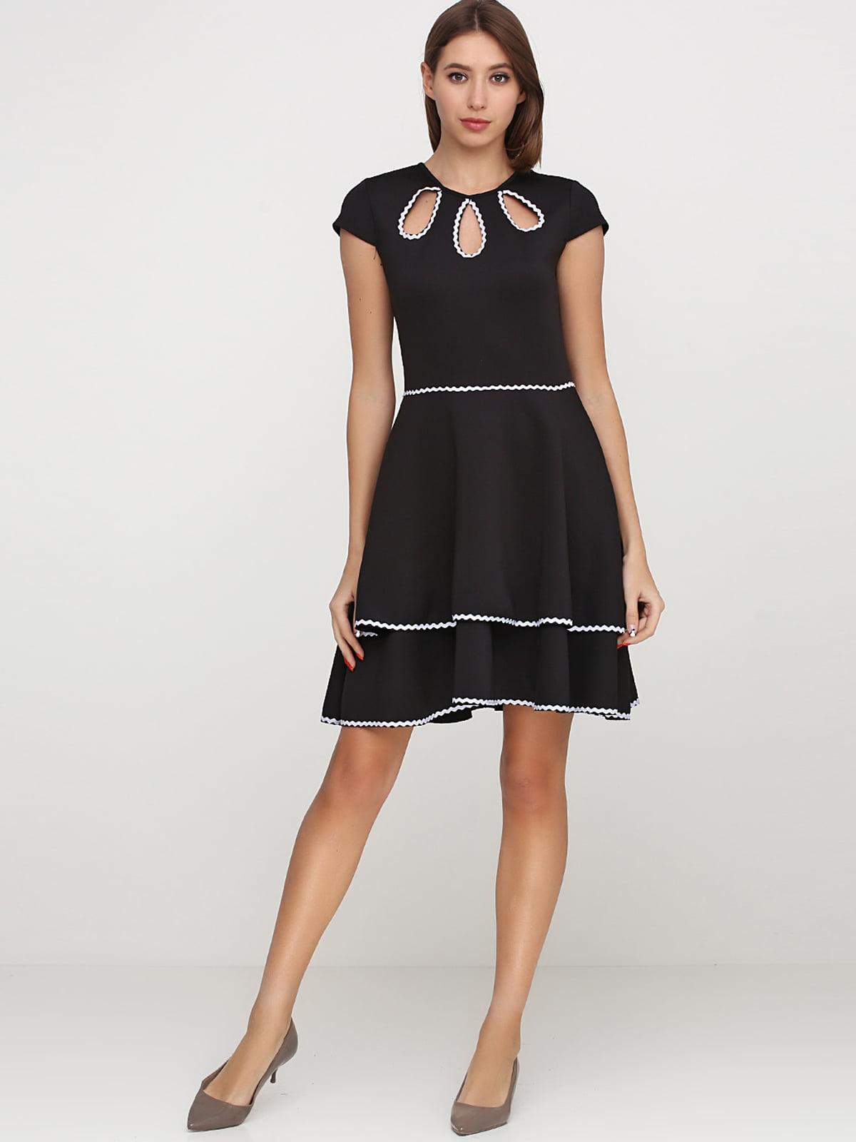 Платье черное с декором | 5538378