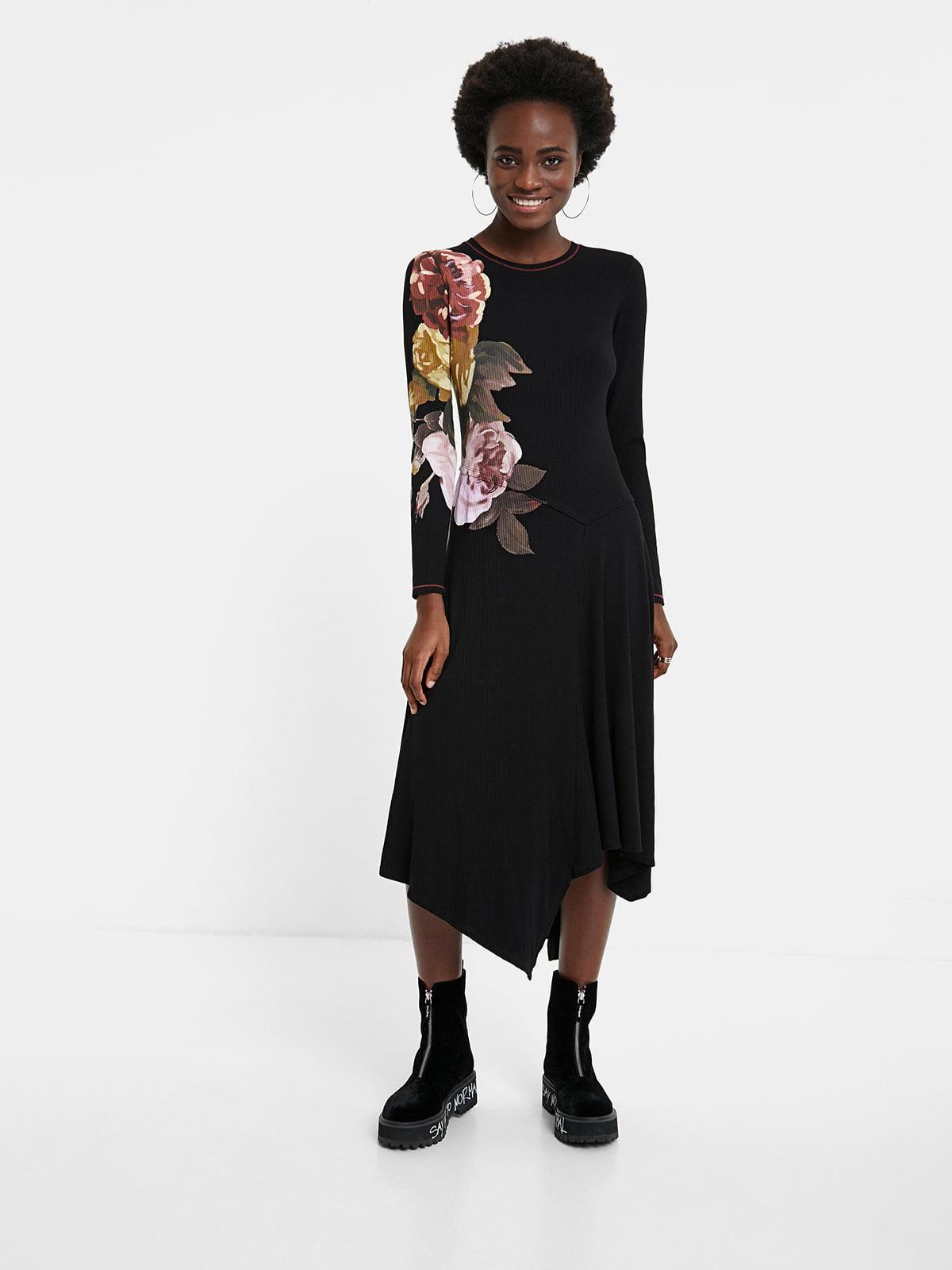 Платье черное в цветочный принт | 5540278