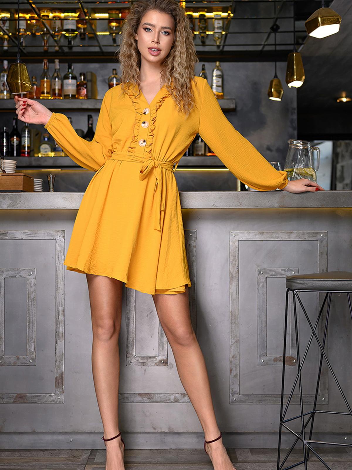 Платье горчичного цвета   5564411