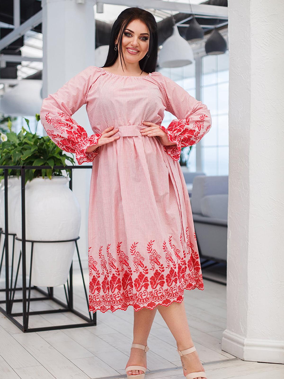 Платье в полоску с вышивкой   5564461