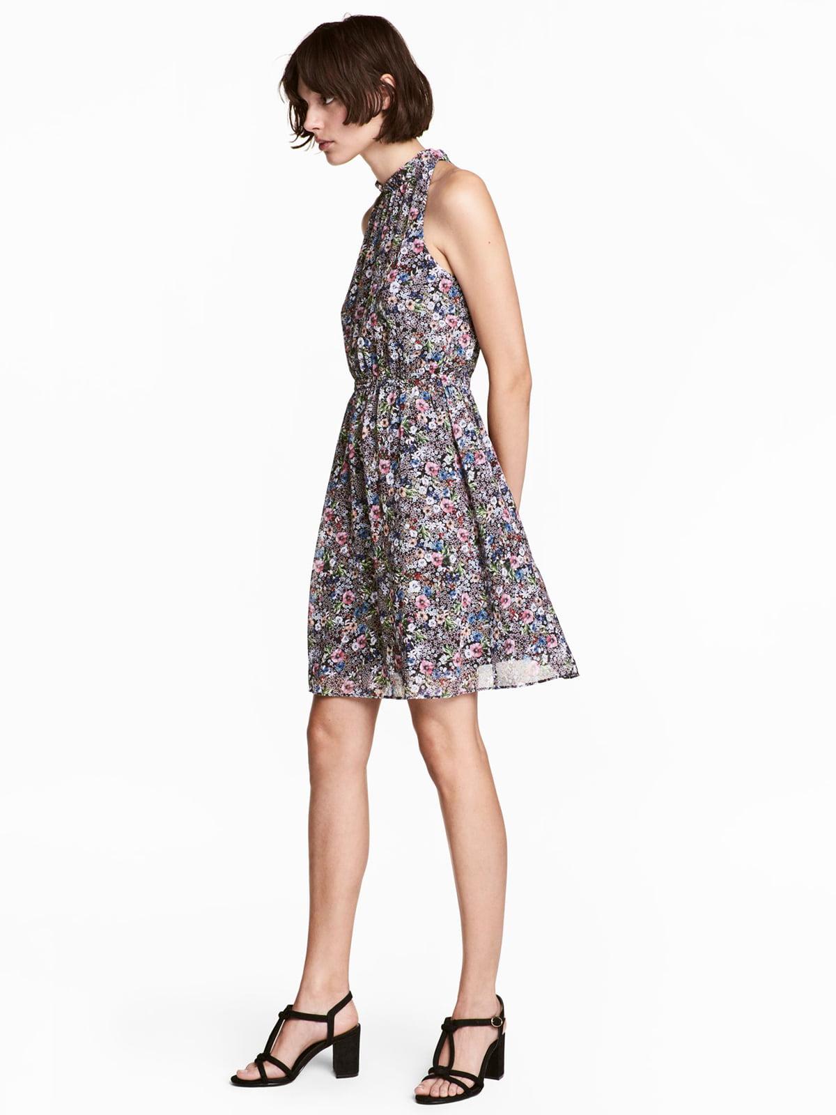 Платье черное в цветочный принт | 5610024