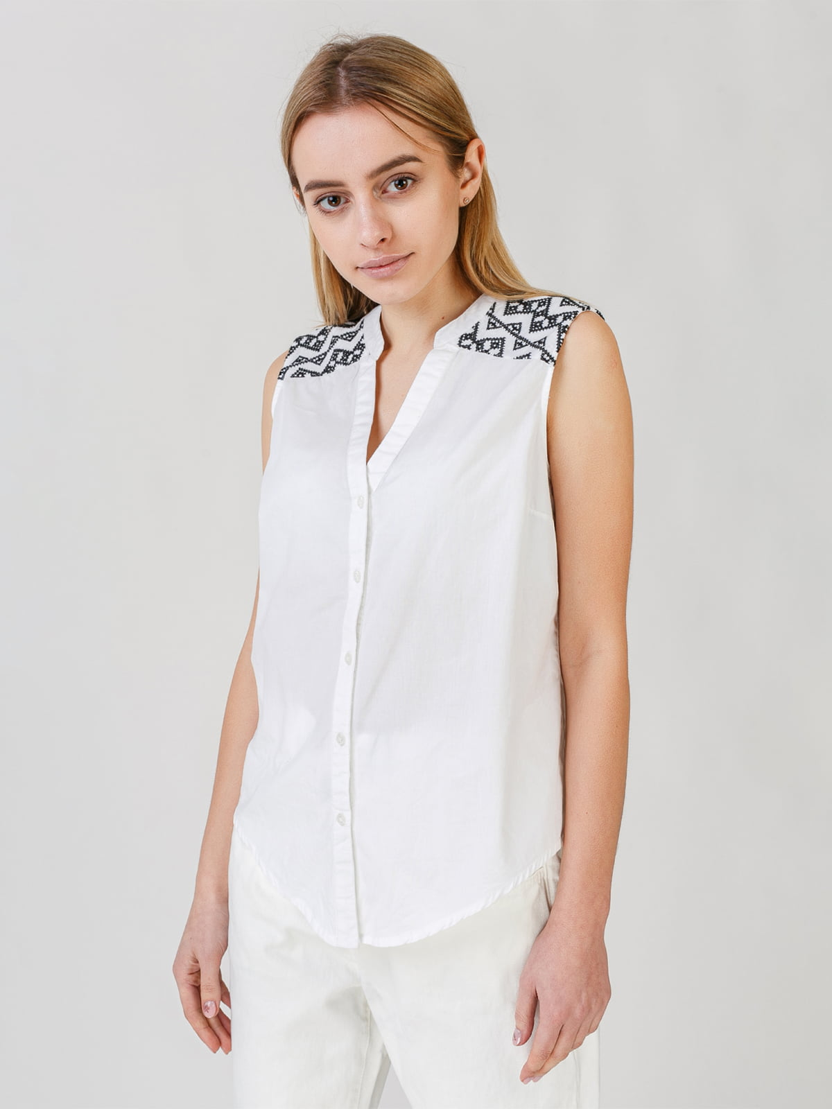 Блуза-рубашка белая с орнаментом | 5609658