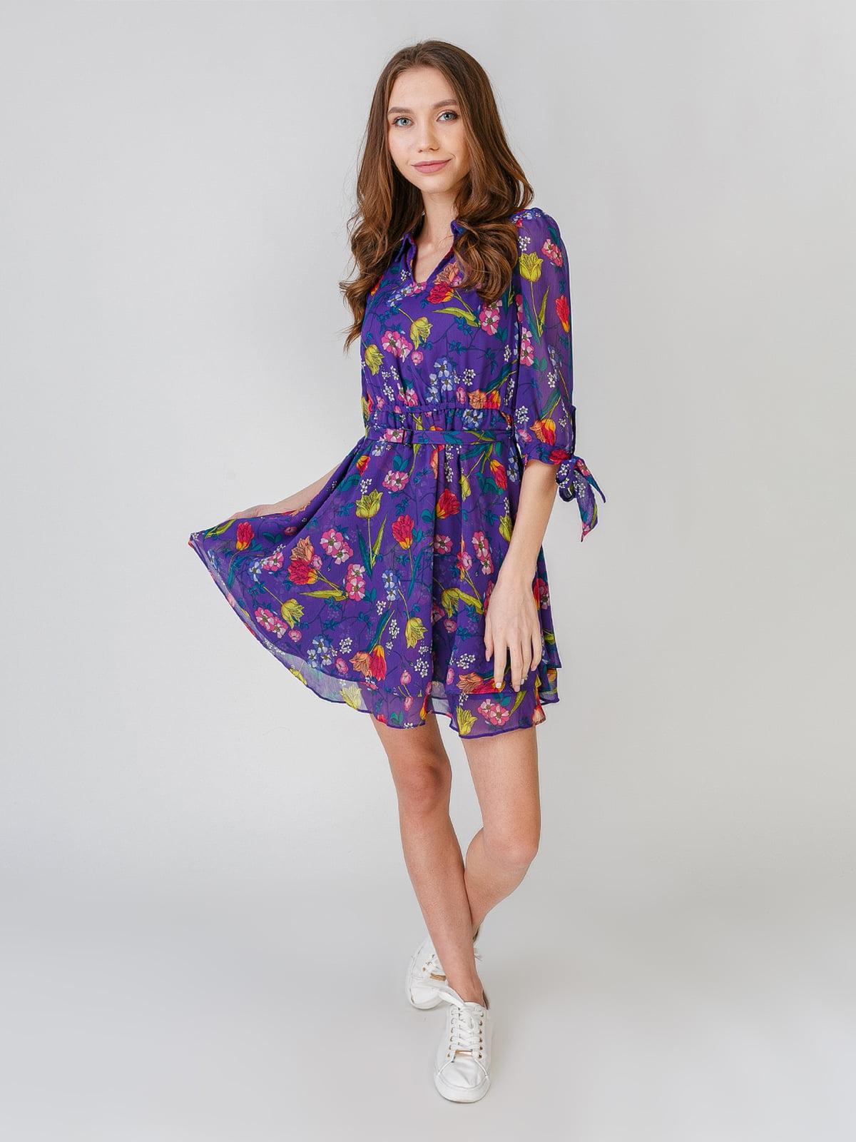 Сукня бузкового кольору з квітковим принтом | 5609599