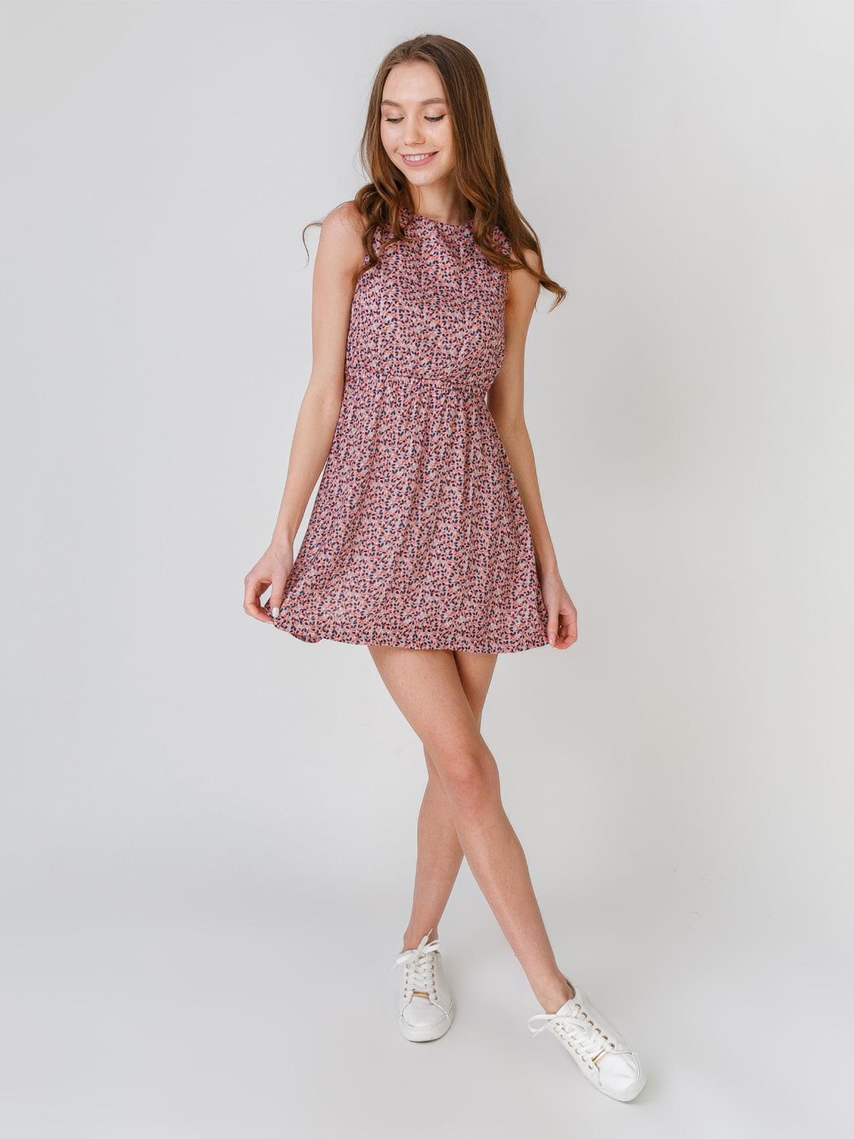 Платье розового цвета с цветочным принтом | 5609507