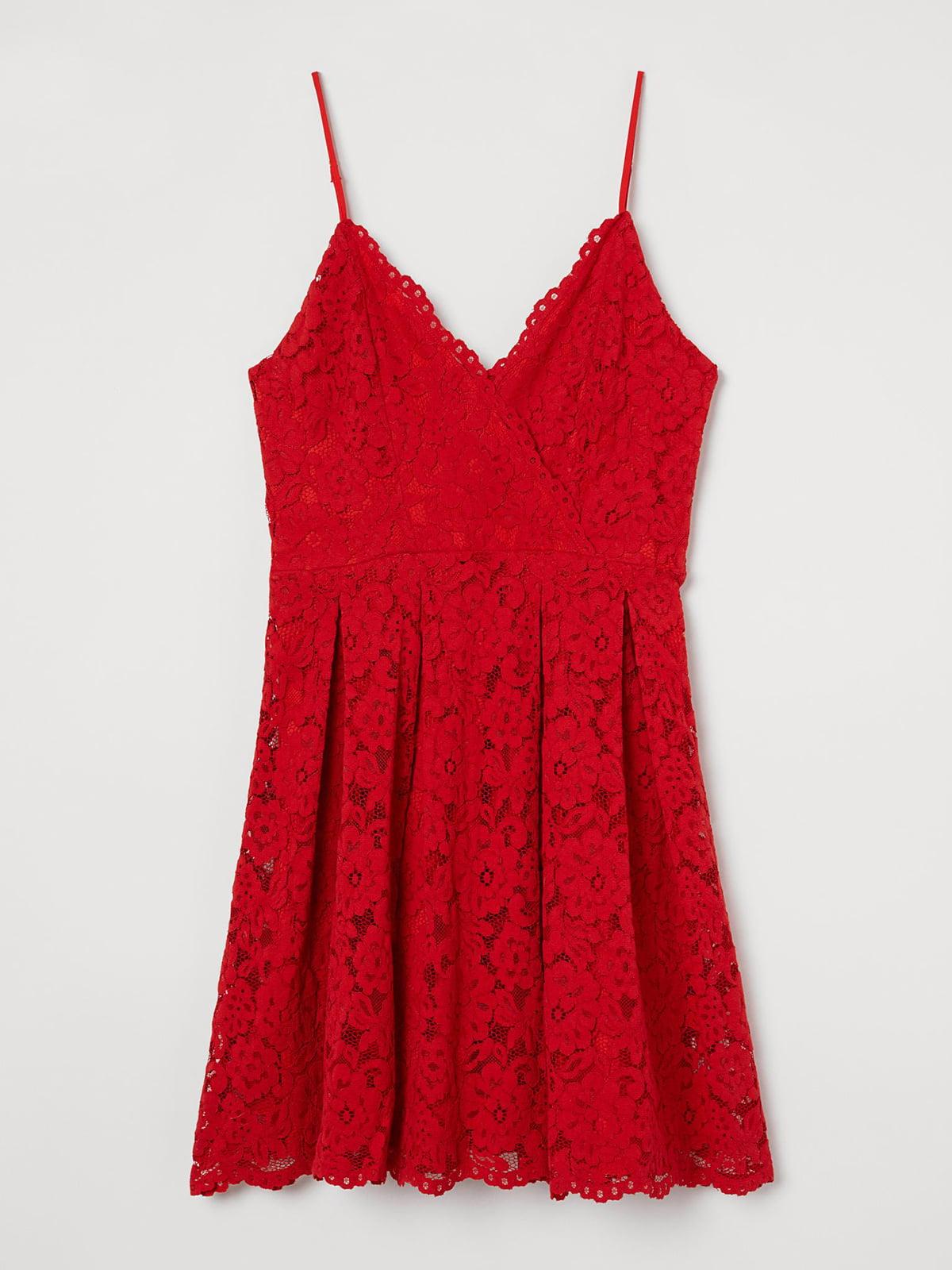 Платье красного цвета с кружевом | 5612978