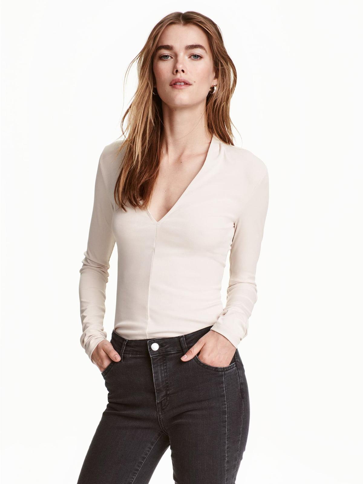 Пуловер бежевого цвета | 5623876