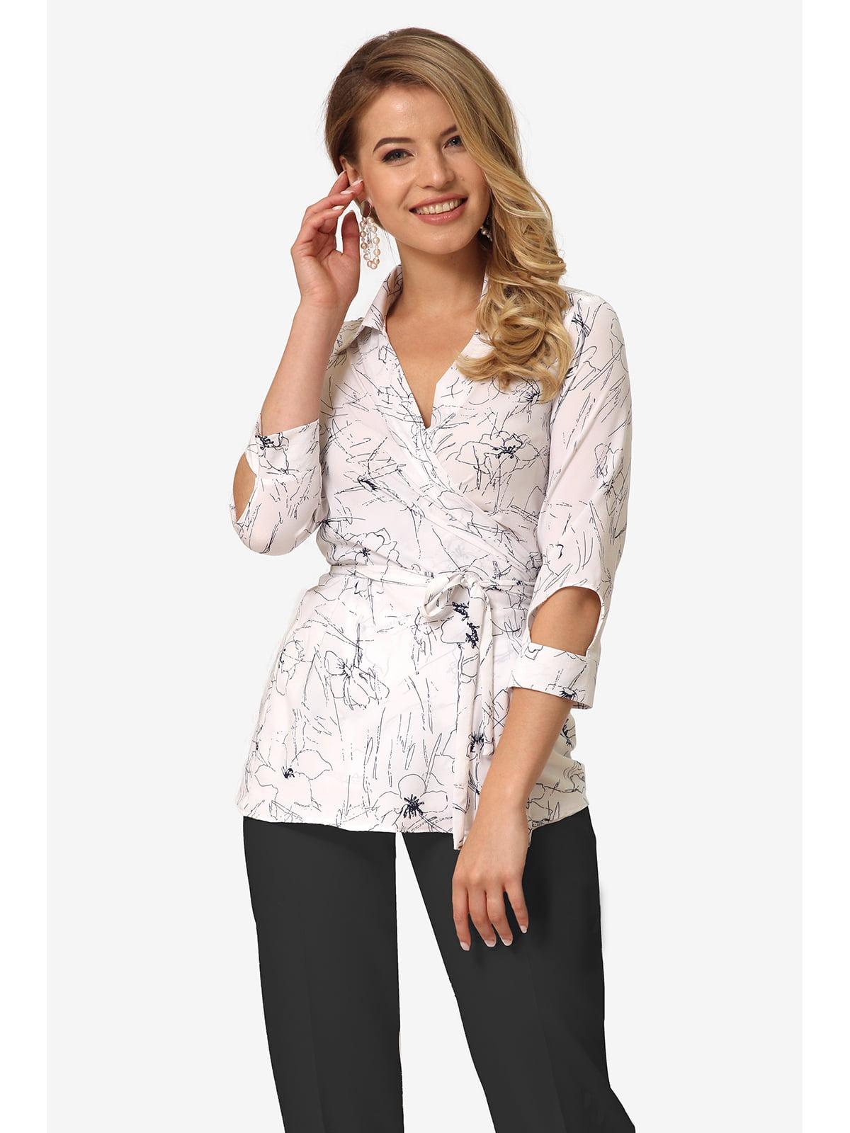 Блуза біла з квітковим принтом   5627051