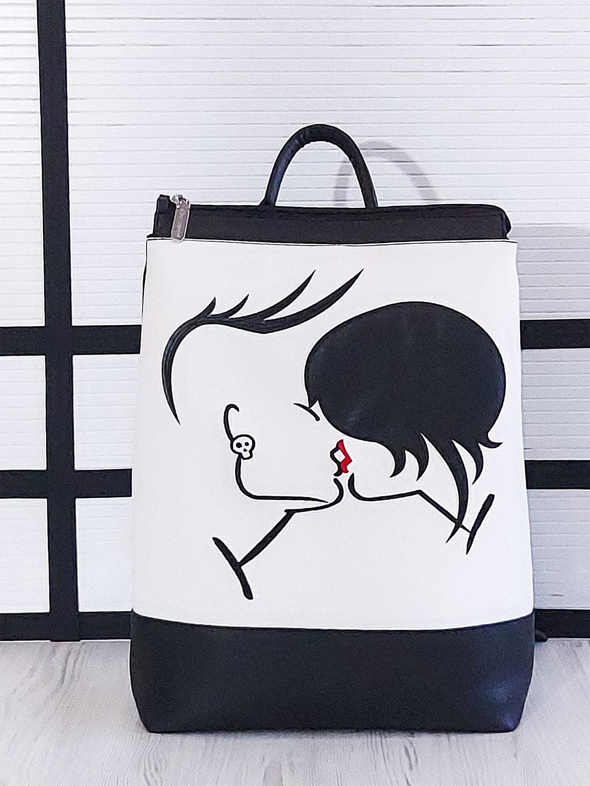 Рюкзак черно-белый с рисунком   5636703