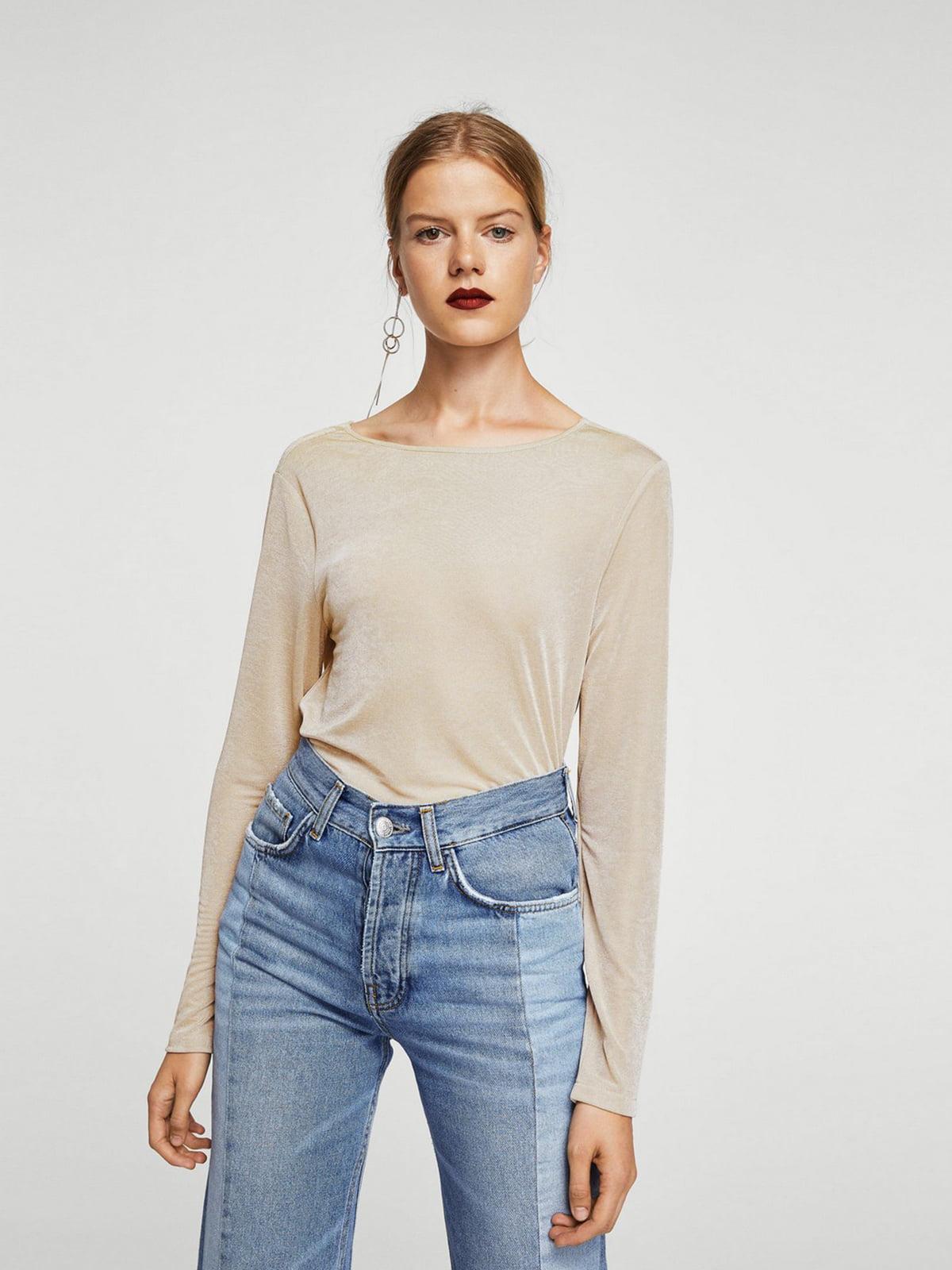 Блуза бежевого цвета | 5659240