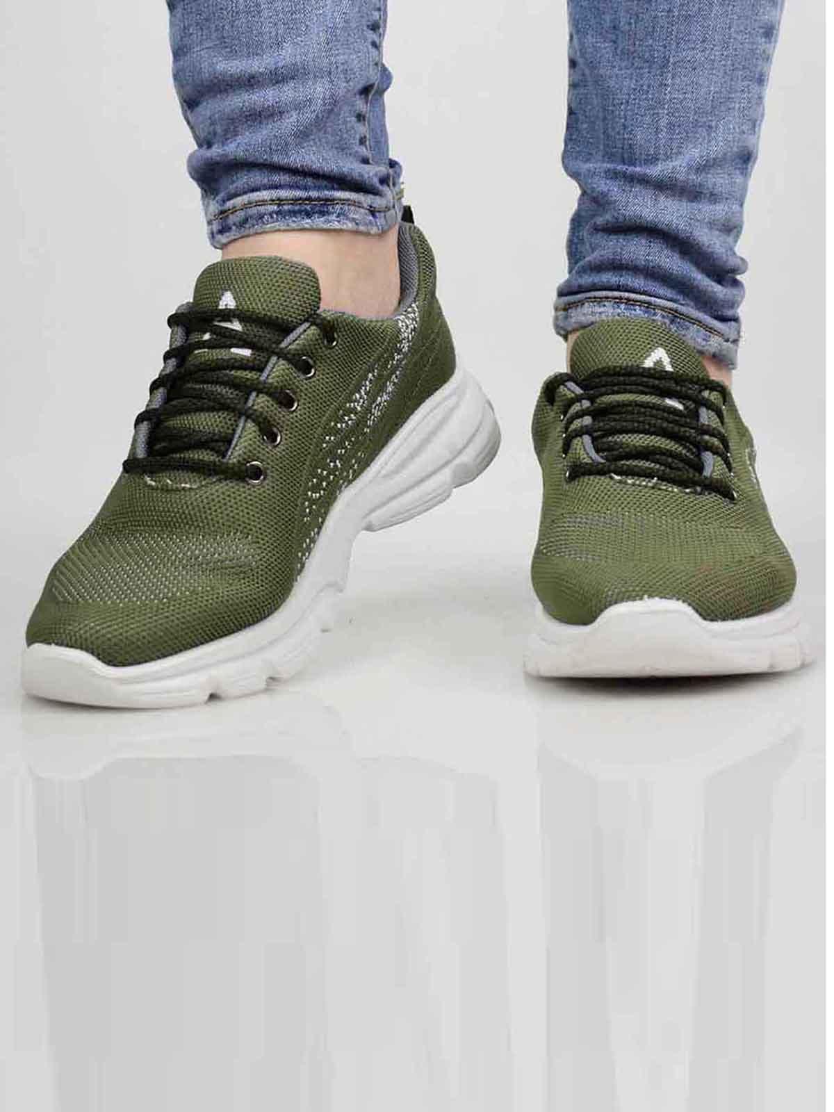 Кроссовки зеленого цвета | 5645526