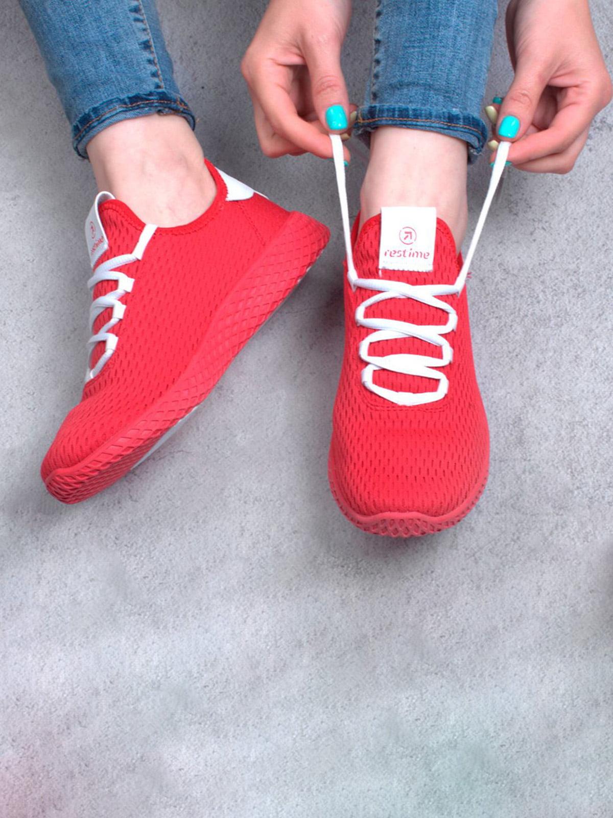 Кросівки червоного кольору | 5645677