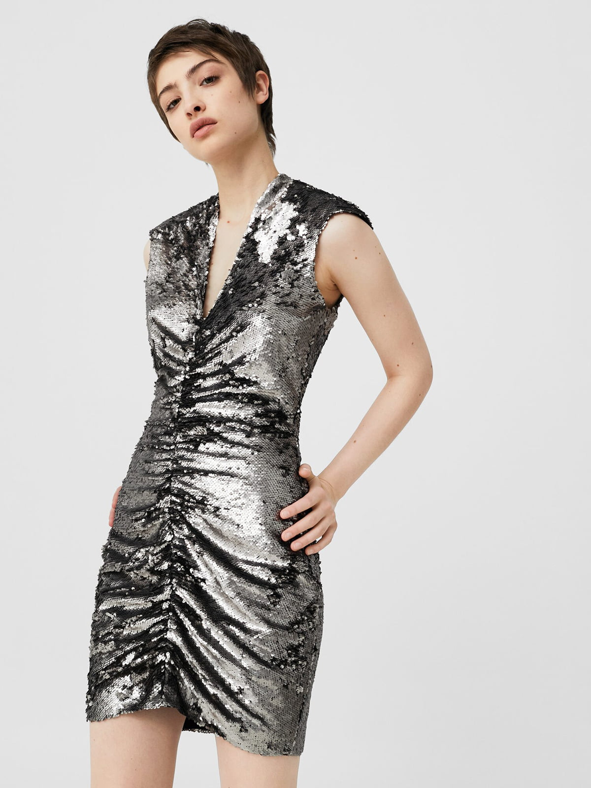 Платье серебристое декорированное   5669258