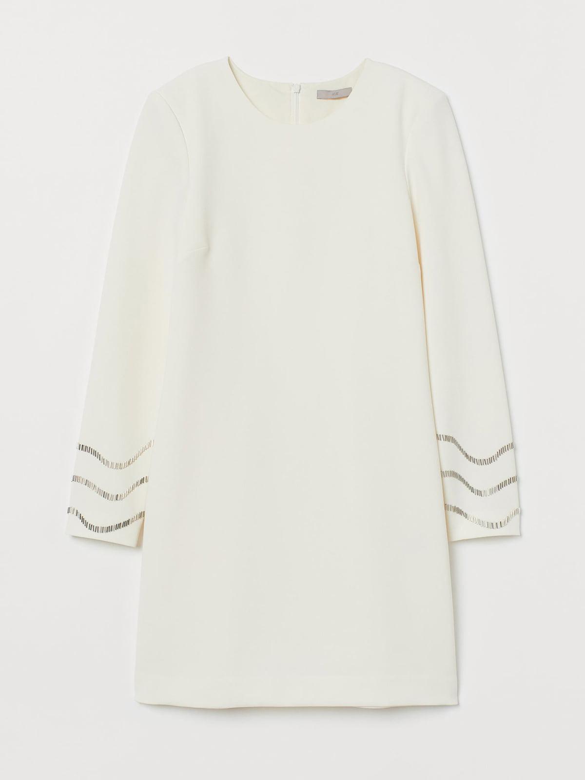 Платье молочного цвета с декором | 5680323