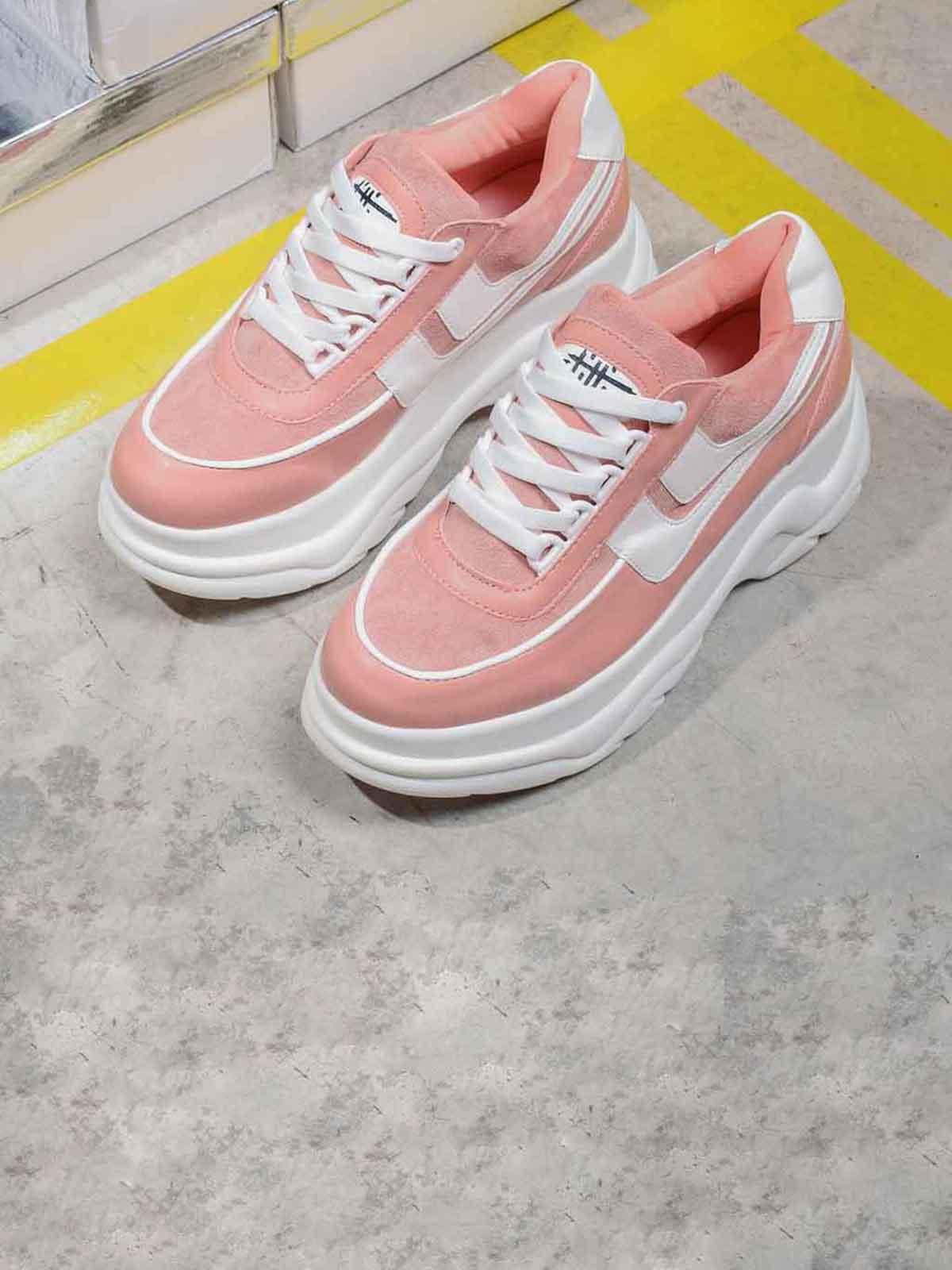 Кросівки рожевого кольору | 5642611