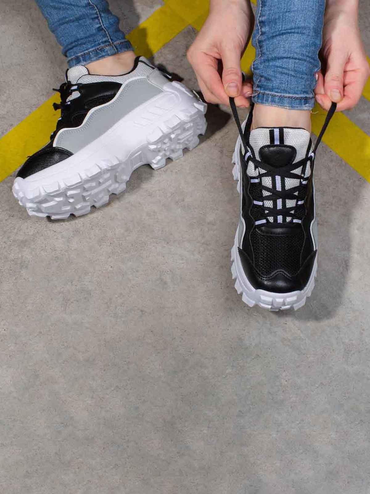 Кроссовки комбинированного цвета | 5642751