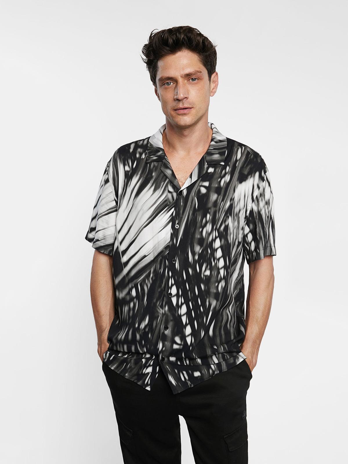 Рубашка черно-белая с принтом | 5636030