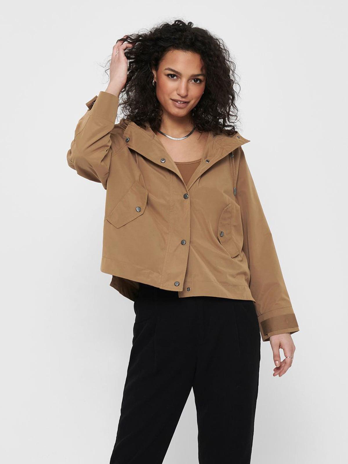 Куртка песочного цвета   5687592