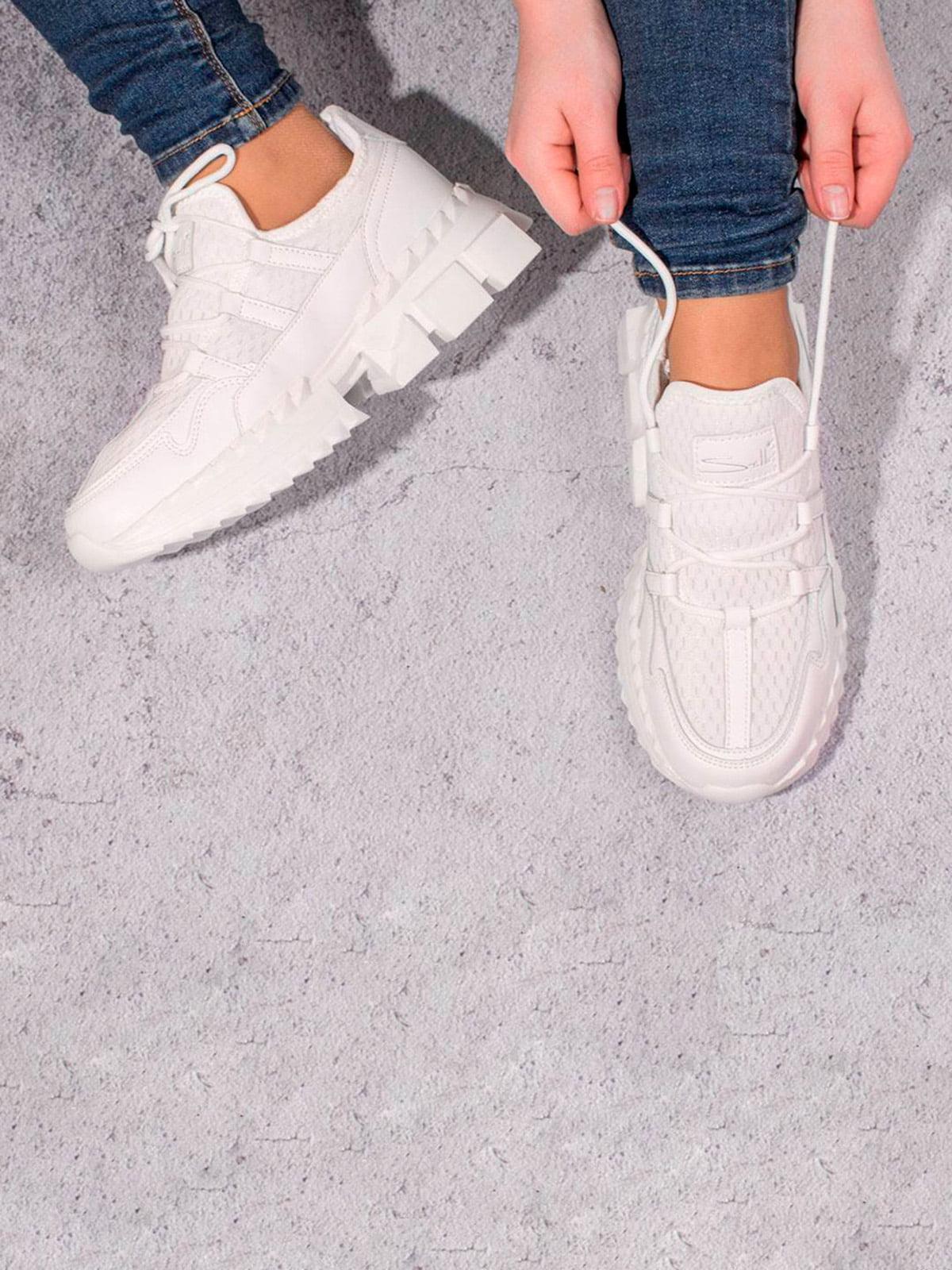 Кроссовки белые | 5643170