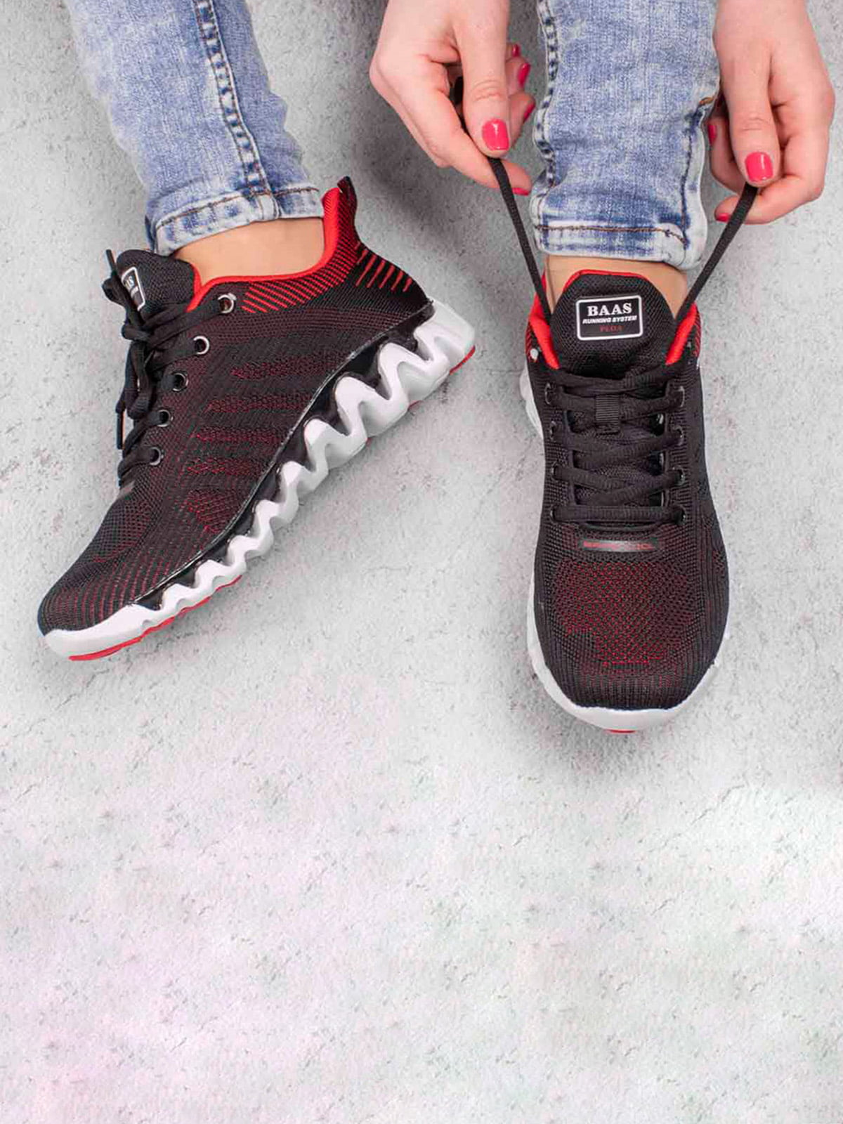 Кроссовки черные | 5643463