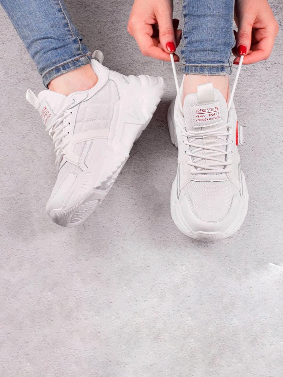 Кроссовки белые | 5643541