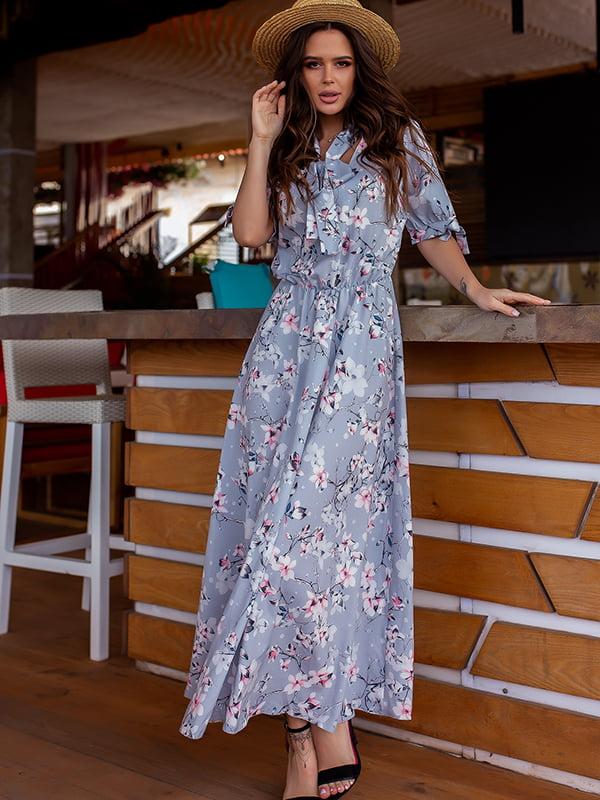 Платье серое в цветочный принт   5715028