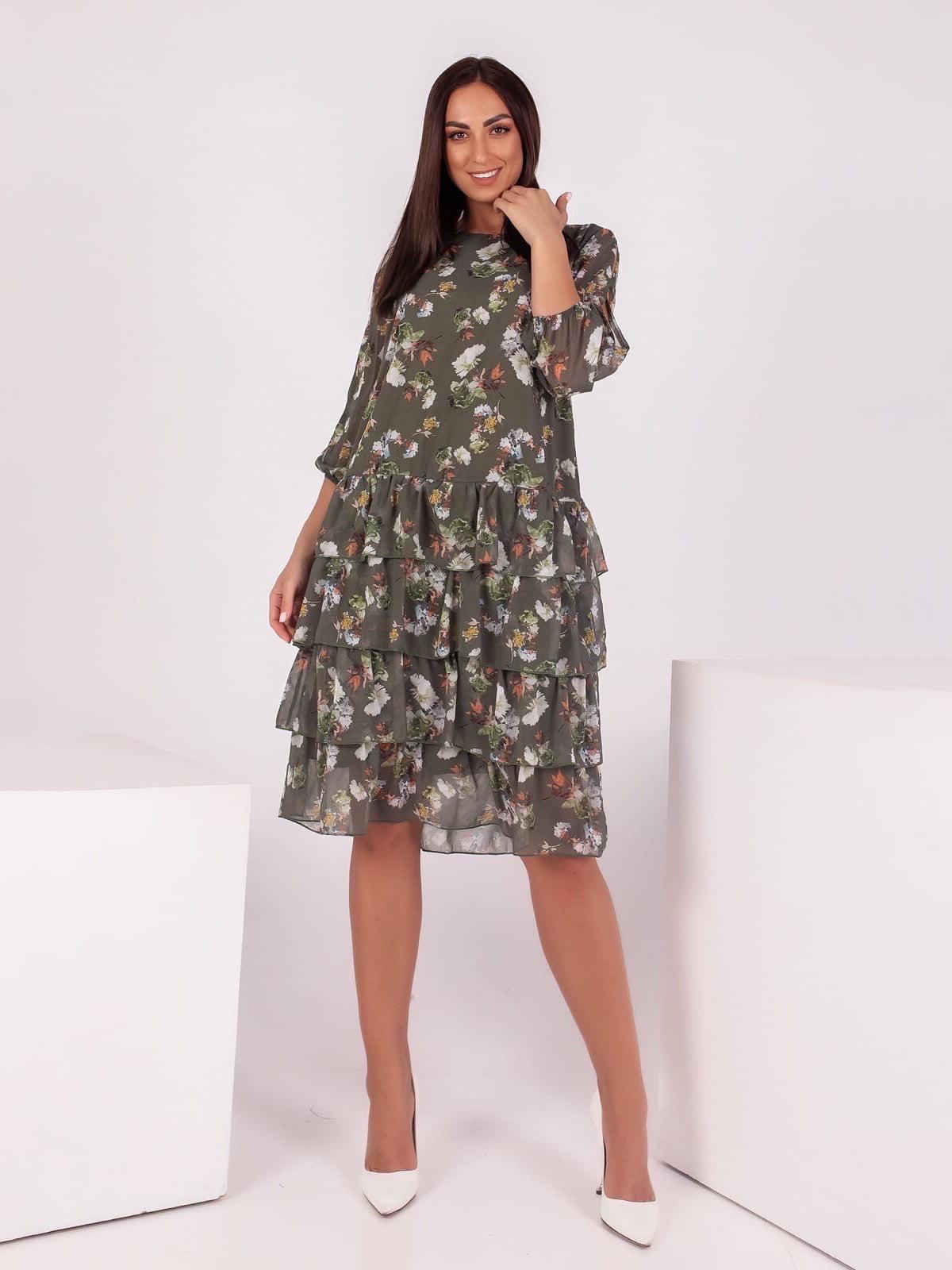 Платье цвета хаки в принт | 5718883