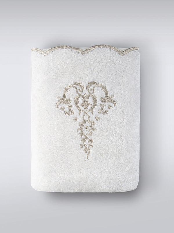 Полотенце молочного цвета с принтом   5514788