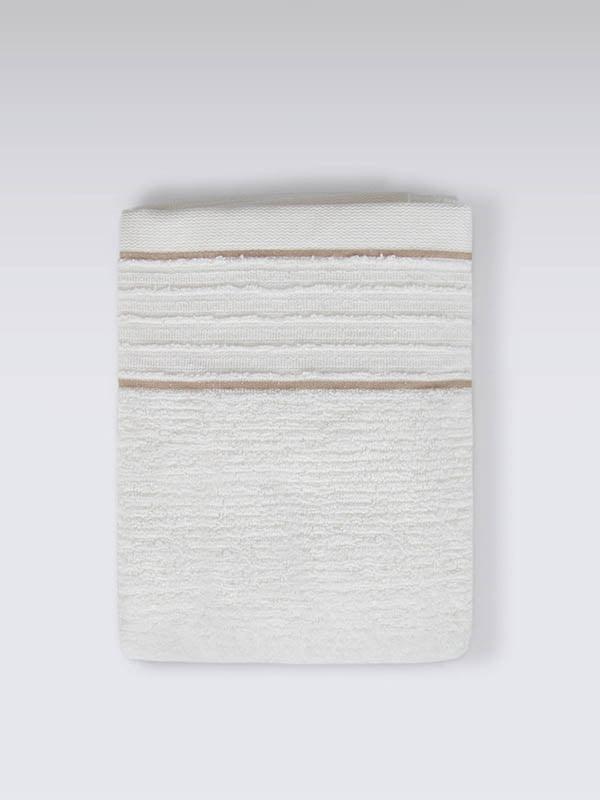 Полотенце молочного цвета   5536533