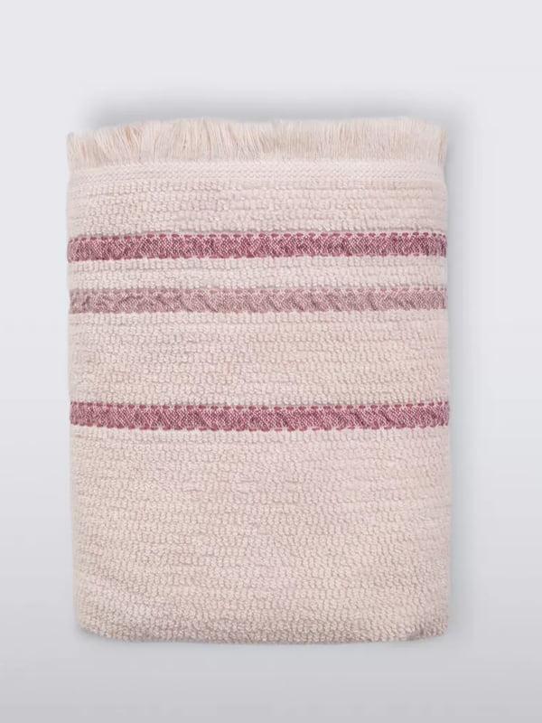 Полотенце лососевого цвета в полоску   5564118