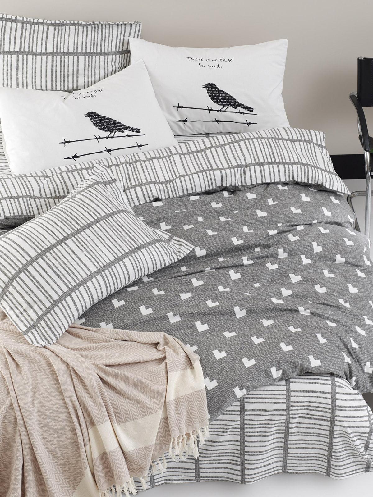 Комплект постельного белья (семейный) | 5655726