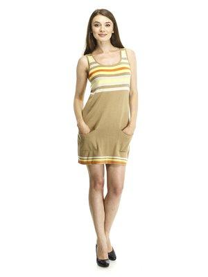 Платье бежевое с цветными полосками и накладными карманами   56929