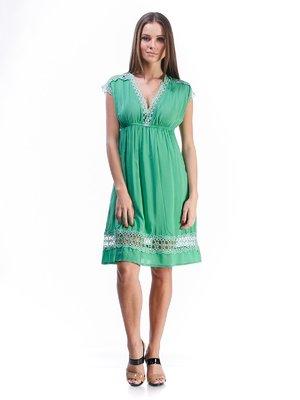 Платье зеленое с кружевной отделкой и завязкой   492893