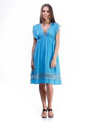 Платье голубое с кружевной отделкой и завязкой   492894