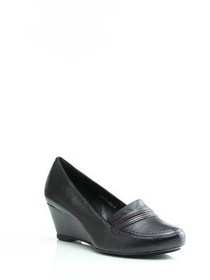 Туфлі чорні з контрастним оздобленням | 1364577