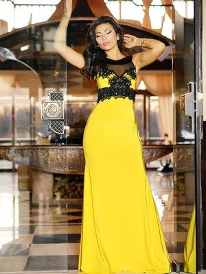 Сукня жовта з мереживним оздобленням і декором | 1540335