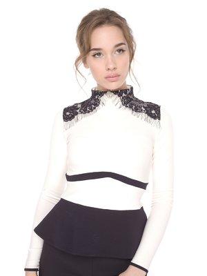 Блуза кремового кольору з контрастним оздобленням   1693795